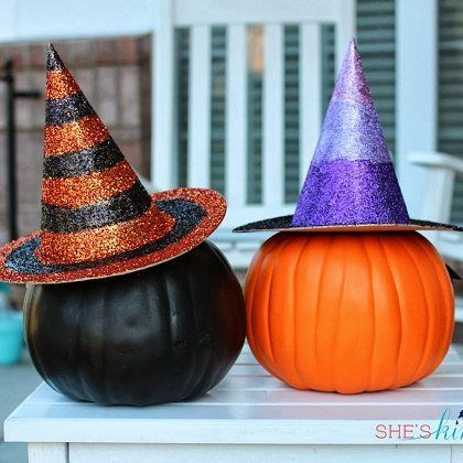 Glitter Witches Hats - This easy-to-do tutorial shows you how to make glamorously glitter-covered witches hats -- in traditional orange & black, and purple ombre.Witch Hats, Fall Decor Glam, Purple And Black Halloween, Glitter Witches, Witches Hats, Witch Pumpkin Hat Diy, Glamorous Glitter Cov, Halloween Decor Purple, Glitter Cov Witches