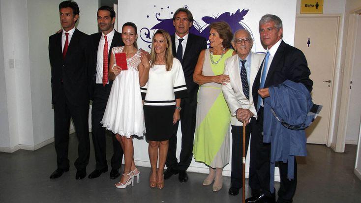 Luli Fernández y Cristian Cúneo Libarona con sus familias
