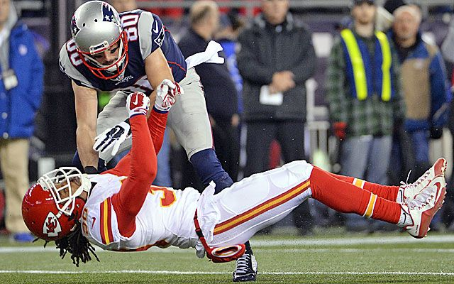 NFL fines Danny Amendola for hit on Chiefs' Jamell Fleming.....This hit by Danny Amendola is perfectly legal. (CBS)