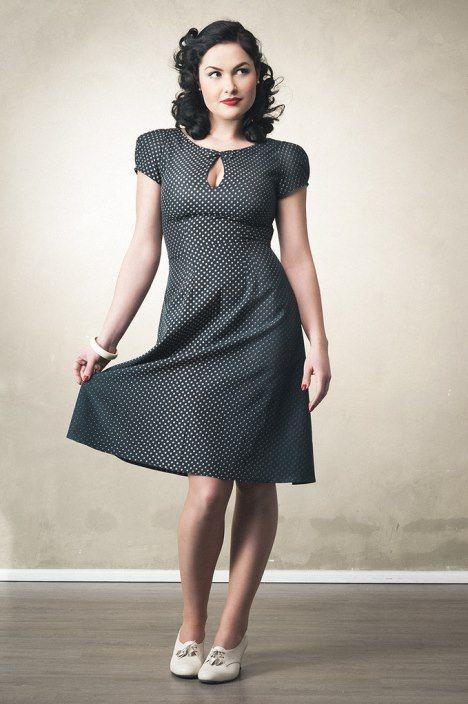 Elegante Vintage Mode der 30er bis 50er Jahre...                                                                                                                                                     Mehr