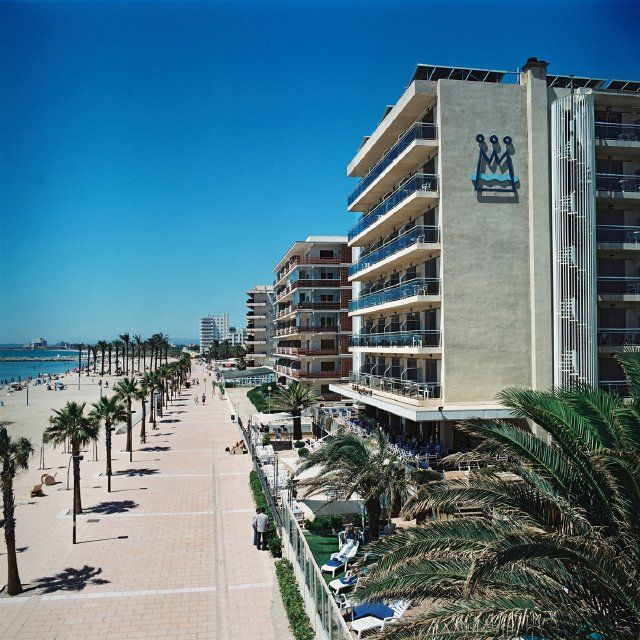 Hotel Monterrey *** en Roses, Costa Brava, Spain.   #HotelMonterrey #RosesNet #aRoses #inCostaBrava #VisitRoses #Roses #CostaBrava #Catalogne #Cataluna #Catalunya #Каталония #Holidays #Holiday #каникулы #Vacaciones #Vacances #Hotel #отель #Booking #резерв #Reserva #Reservation #Spain #Espana #Espagne #Espanha #Испания