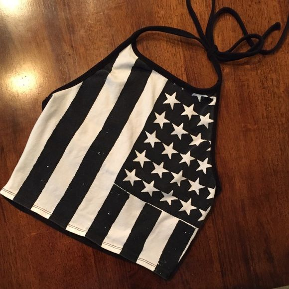 FESTIVAL AMERICAN FLAG HALTER Festival style American Flag crop halter. Great condition. Size small. Forever 21 Tops Crop Tops