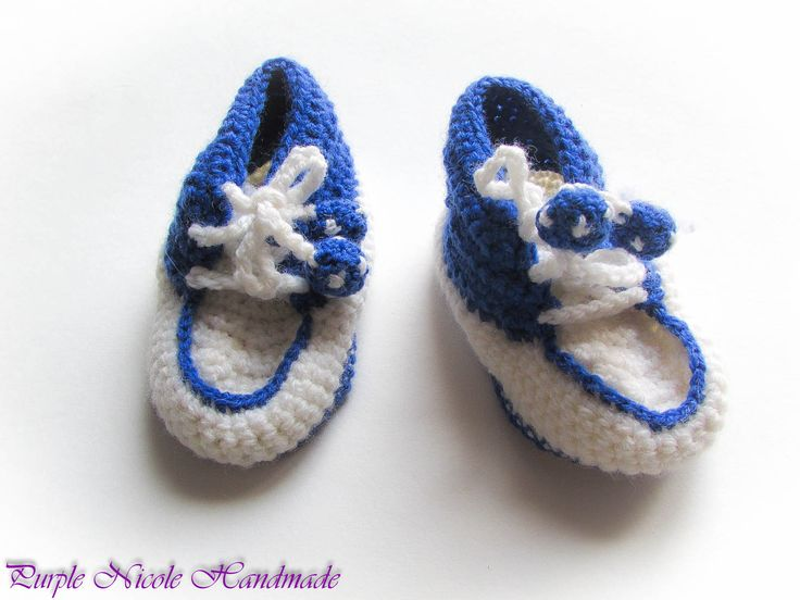 The Little Football Player - Handmade Crochet Boys Bootees by Purple Nicole (Nicole Cea Mov). Materials: white and blue yarn.