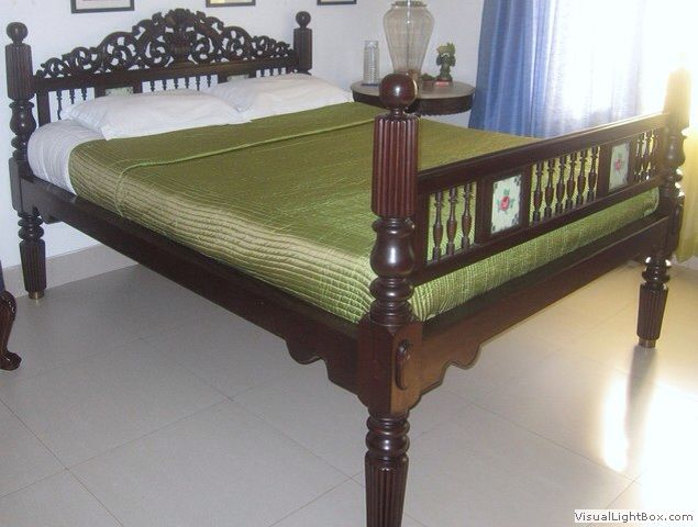 Chettinad Tile In Wooden Cot Bedroom False Ceiling