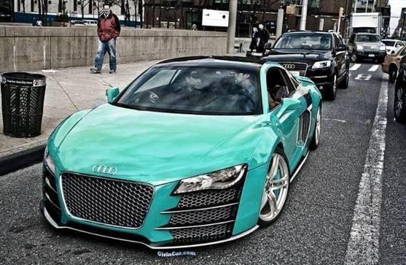 Audi  - R 8  (2012)