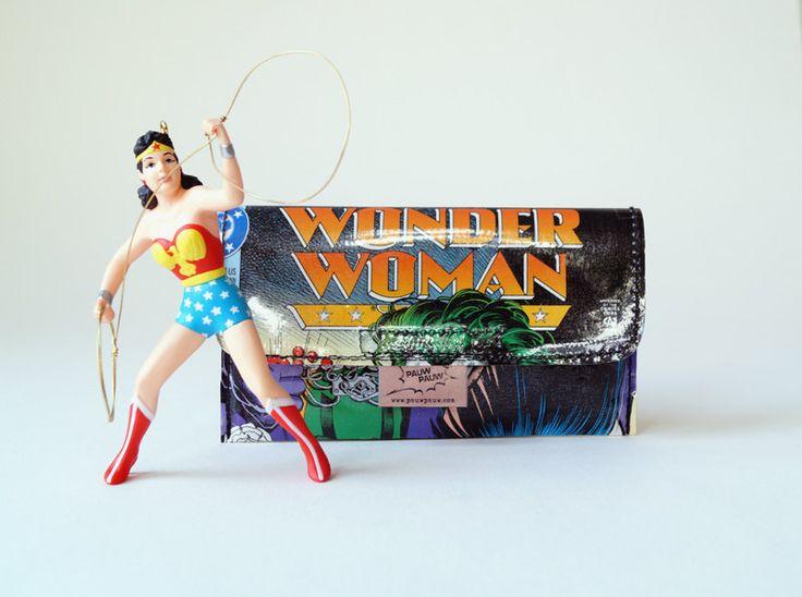 Tabaktasche WONDER WOMAN & JOKER  Comic upcycling Unikat! Tabakbeutel Supergirl, Superheldin dc Comic Tasche Recycling handmade in Berlin von PauwPauw auf Etsy