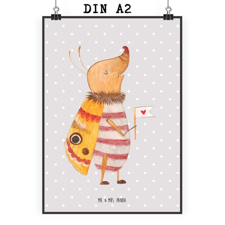 Poster DIN A2 Nachtfalter mit Fähnchen aus Papier 160 Gramm  weiß - Das Original von Mr. & Mrs. Panda.  Jedes wunderschöne Motiv auf unseren Postern aus dem Hause Mr. & Mrs. Panda wird mit viel Liebe von Mrs. Panda handgezeichnet und entworfen.  Unsere Poster werden mit sehr hochwertigen Tinten gedruckt und sind 40 Jahre UV-Lichtbeständig und auch für Kinderzimmer absolut unbedenklich. Dein Poster wird sicher verpackt per Post geliefert.    Über unser Motiv Nachtfalter mit Fähnchen  Unser…