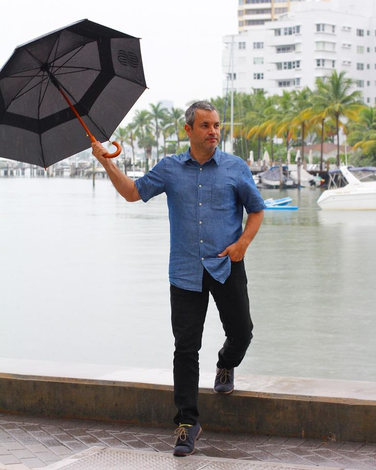 Playing in the rain. Have fun in any type of weather in Miami Beach. Get the look at http://liketk.it/2svC1  @rossanavanoni . . . . . . #bloggerstyle #classicman #travelblogger #dailyoutfit #dailystyle #fashion #fashionigers #fashionlovers #fashiontips #miami #umbrella #instaoutfit #lablogger #umbrellaman #miamibeach #miamistyle #miamifashionblogger #miamiblogger #miamitravel #miamibeachlifestyle #rainyday #rain #ootdfashion #streetchic #travel #stylebloggers #liketkit #stylewatch…