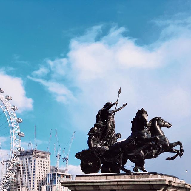 Shes in her chariot again. Probably pissed at the fact people keep changing her name.  #london #londonlife #londonlive #londonshots #londonbylondoners #igerslondon #iglondon #maybeldner #Boudicca #westminster #thames #archidaily #architecture #justgoshoot #streetscene #streetsoflondon #streetphotography #thisislondon #vscobest #vscodaily #vscolondon #vscogram #vscogrid #vscoarchitecture #vscofeature #vscophile #vscopro #visualseduction #happeninglondon #frozen
