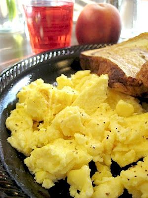 DONE - Scrambled Eggs Recipe - very easy way to cook scrambled eggs - takes longer than the recipe and i put it on 100 degrees