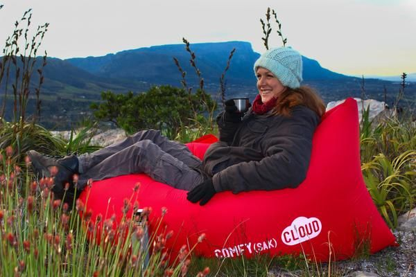Red CLOUD in the wild! - air lounger
