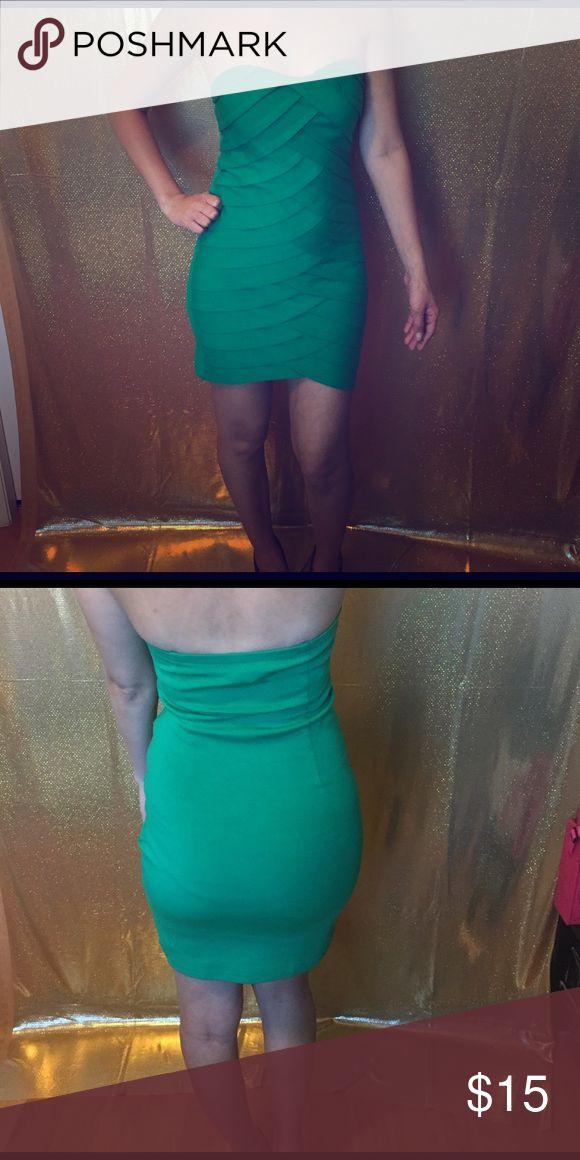 Mini Emerald Dress Mermaid like detail. Super form fitting! Dresses Mini