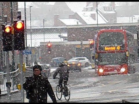 Heavy Snow in Nottingham City Centre - Frozen Britain 2013 - YouTube