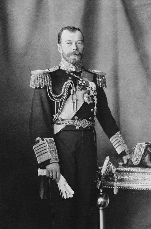 the failures of the tsar and the revolution Tsar was an autocrat he could make laws and govern as he wished  personally responsible for russia's military failures the tsarina in the absence of the tsar the tsarina (alexandra) was.