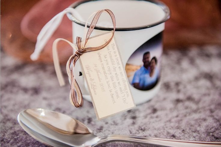 Monte Vista Venue rustic cup with the couples photo printed on it as gifts for a pink and brown wedding