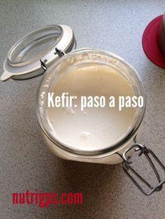 El Kefir es la bebidacon más probióticos del planeta y su consumo regular te proporciona innumerables beneficios a lasalud ( para conocer más da click aquí) . Preparar Kefir en casa es muy sencillo. Aquí te muestro cómo. Una vez que tienes los granosde kefir o búlgaros lo único que tienes que hacer es colocarlo...Read More »
