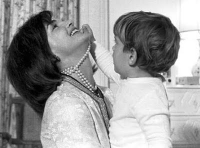 Photos, John Kennedy, Jackie Kennedy, Mothers, Pearls Necklaces, Johnjohn, John John, Jacqueline Kennedy, Jfk Jr