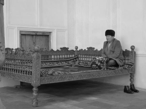 Uzbekistan - Musilm inside the Gur-e-Amir mosque in Samarkand