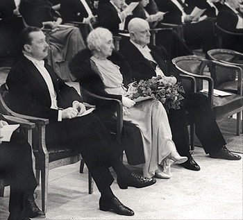 Jean Sibelius with his wife Aino and the previous President of Finland, Mannerheim, in Sibelius' 70th birthday reception. #Mannerheim #Sibelius