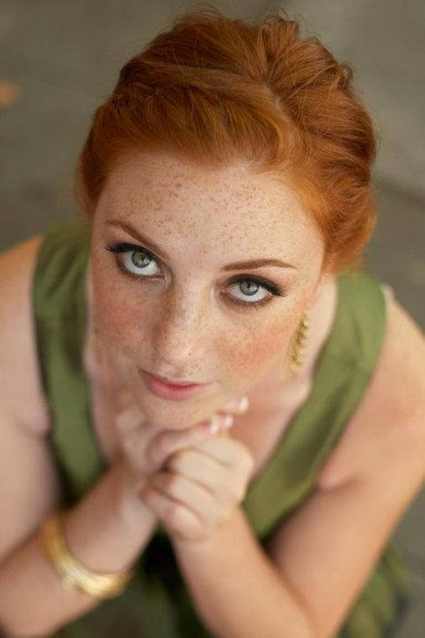 let your freckles shine through, and green-eyed redheads look bold yet natural with olive green liner