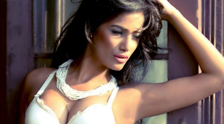 Poonam Pandey's claim to fame was during the 2011 cricket World Cup, when she promised to strip if team India won the World Cup. #HotGirls #sexygirls #womenday #indianews #2016news #bollywood #indiateam