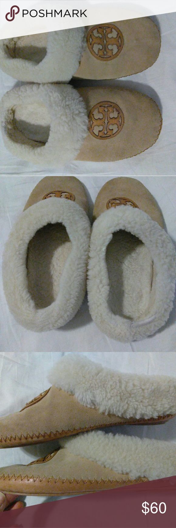 """1/9  Tory Burch Coley' Genuine Shearling Slipper s The signature logo brands an ultra-cozy slipper lined in plush, moisture-wicking shearling.  Leather and genuine shearling upper/genuine shearling lining/rubber sole.Imported.Salon Shoes. """"Used"""""""" comfortable slippers size. 9.5 please view photos carefully any questions please ask... Thank you.   Tory Burch Shoes Slippers"""