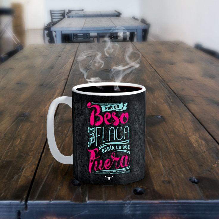 Nada como disfrutar una deliciosa taza de café....... Feliz Día ;) #Taza #Mug #Coffee #FelizDia #JarabeDePalo #Kiss #laflaca #Andrewstoro