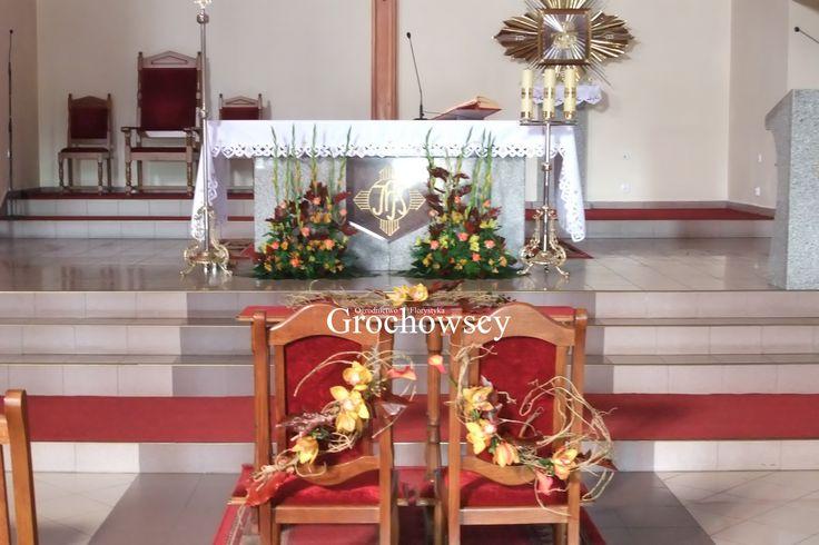 jesienna dekoracja kościoła Człuchów dekoracja ołtarza