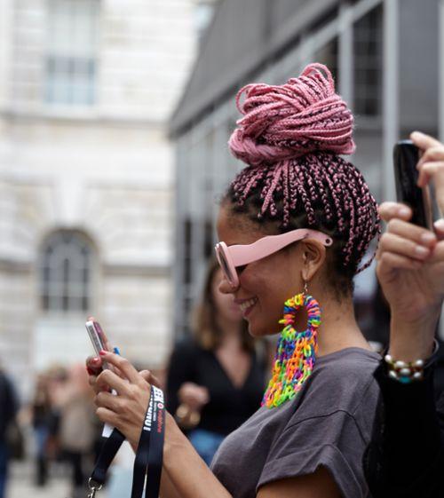 pink box braids, afro braids, pink hair, colorful hair (Diy Pastel Hair)