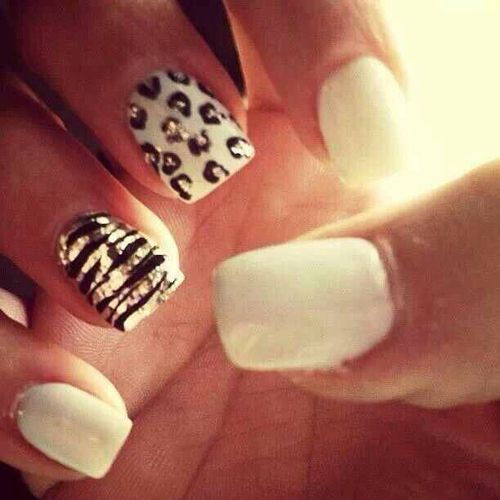 Love this but w French tips instead of the solid whites