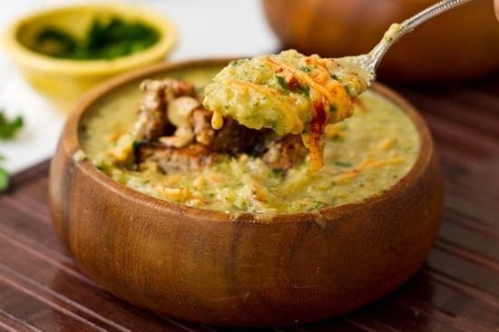 """Broccoli and """"Cheese"""" Soup 