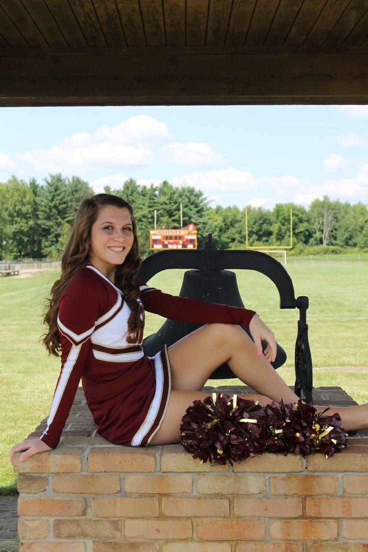 A cheerleader photography session 2
