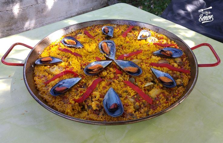 La paella mixta es la receta de arroz más conocida de nuestro país y creo que de todo el mundo. Su receta es conocida mundialmente pero no la original (valenciana), ya que muy poca gente de fuera d…