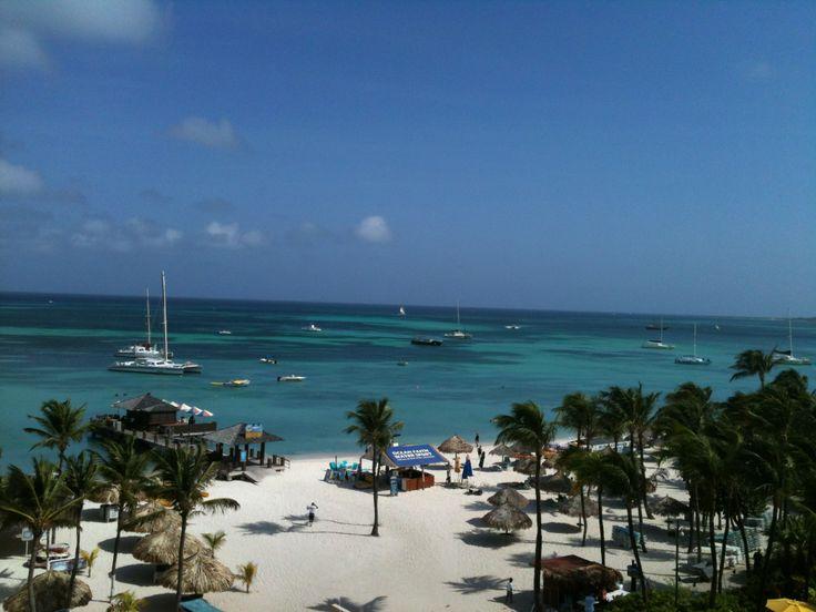 Vista panoramica playa en Aruba, un paraiso. http://dulcebimlatino.blogspot.com