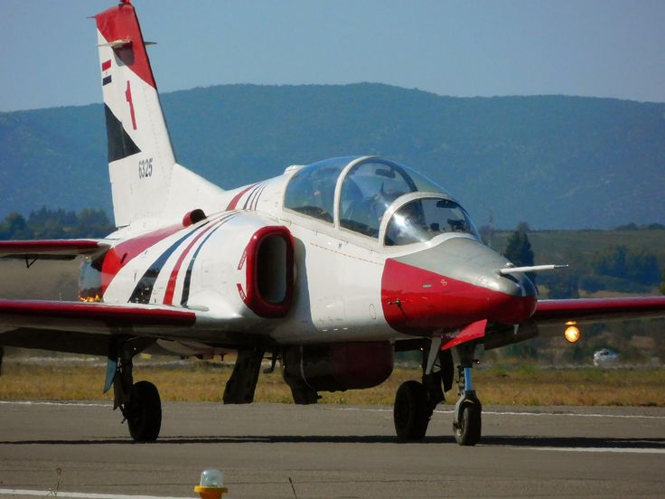 A K-8 Karakorum of the Silver Stars Team taxiing.