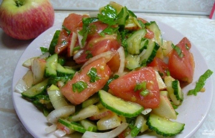 Салат с помидорами и яблоками http://mirpovara.ru/recept/3231-salat-s-pomidorami-i-yablokami.html  В данном рецепте представляем немного необычный салат с помидорами и яблоками, который будет оценен ...  Ингредиенты:  • Помидоры - 2шт. • Яблоко - 2шт. • Огурец - 1шт. • Лук репчатый - 1/2шт. • Укроп - 1/3пуч. • Петрушка - 1/3пуч. • Лук зеленый - 1/2пуч. • Соль - по вкусу • Перец черный молотый - по вкусу • Масло оливковое - по вкусу  Смотреть пошаговый рецепт с фото, на странице…