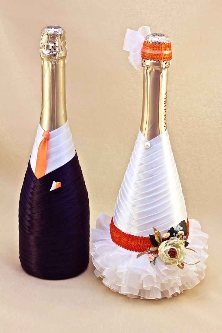 Украшение бутылок шампанского.