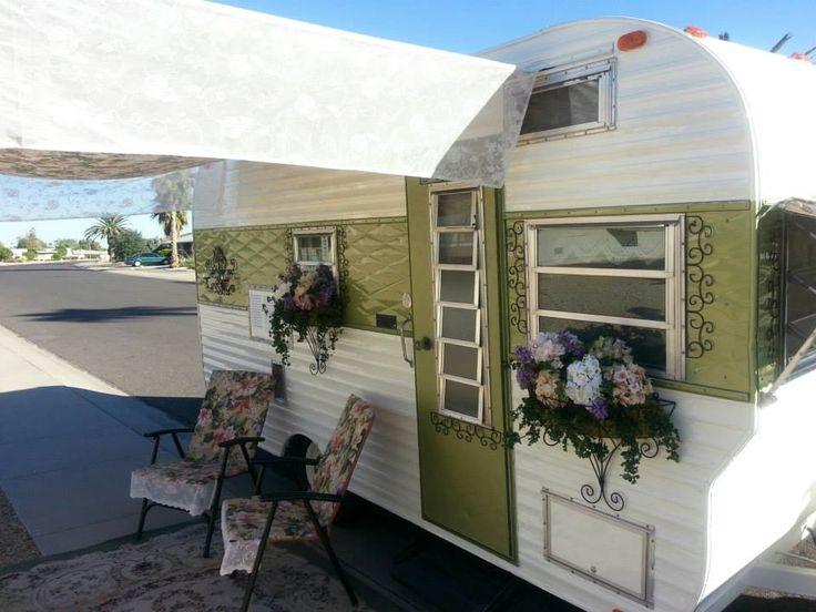 Cute Vintage Camper