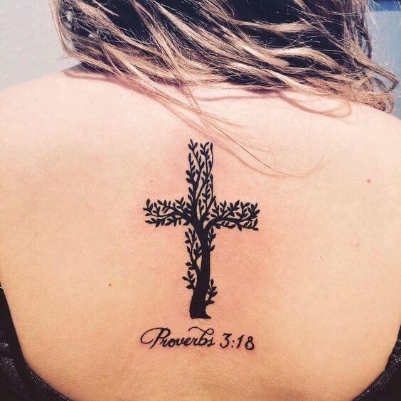 50 Kreuz Tattoos für Frauen  – Tattoo-Ideen