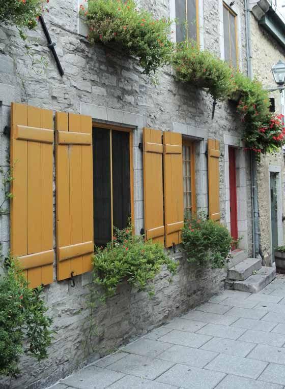 yellow-shutters-quebec.jpg (560×766)