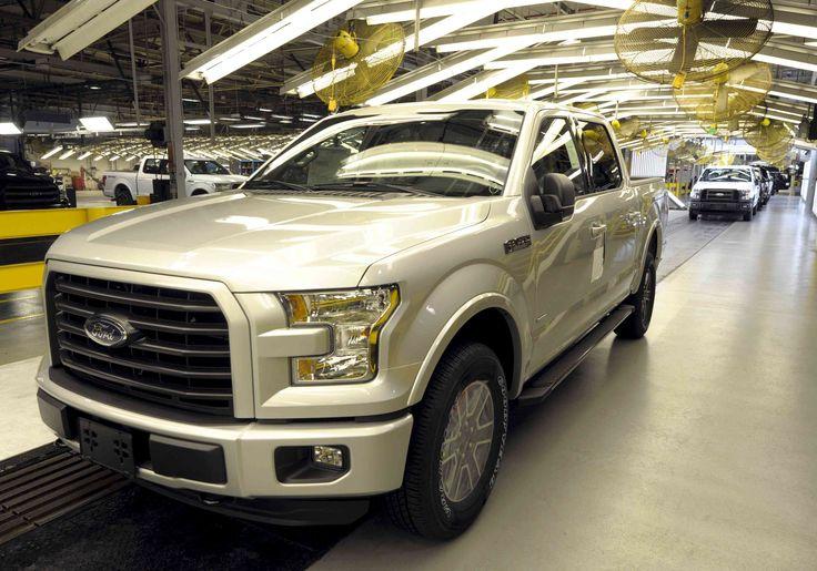 Reuters: Ford venderá carros en dólares para reactivar operaciones en Venezuela