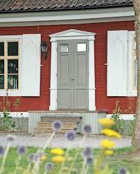 falurött hus, vitt och grått