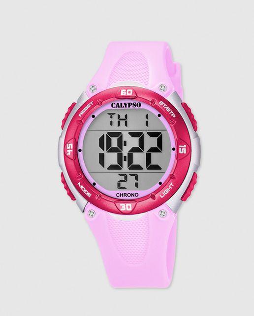 Reloj con esfera digital, bisel fucsia y correa de plástico de color rosa claro de 22,8 a 16 mm.
