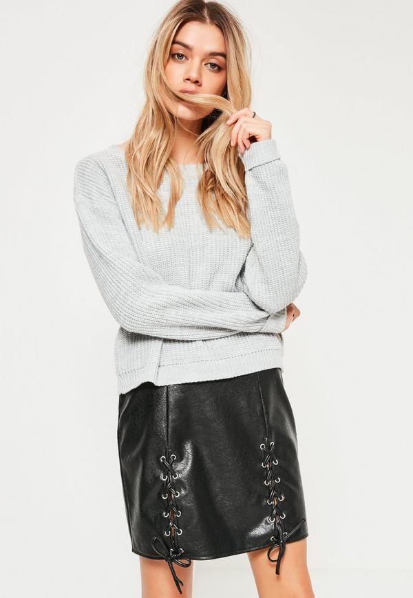 Mini-jupe noire en simili cuir à lacets - Missguided
