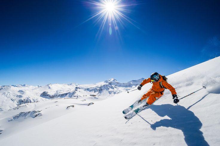 Het tweede hoofdpersonage, Alice genaamd, werd gedwongen door haar vader om op een jonge leeftijd al skilessen te volgen. Wanneer Alice op een mistige dag moest gaan skiën, brak ze haar been. Van dit pijnlijke ongeval zou ze nog haar hele leven de gevolgen dragen.