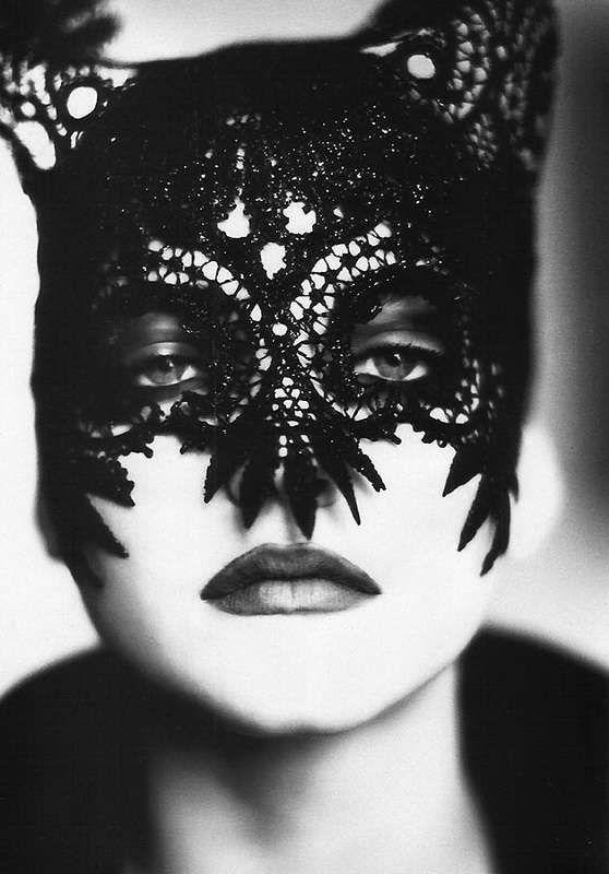 Lace Catwoman Masks : Ellen von Unwerth, Nadja Auermann, Black and white shoots