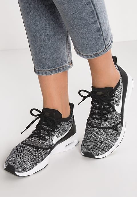 Baskets basses Nike Sportswear AIR MAX THEA ULTRA FLYKNIT - Baskets basses - black/white noir chiné: 77,00 € chez Zalando (au 16/09/17). Livraison et retours gratuits et service client gratuit au 0800 915 207.