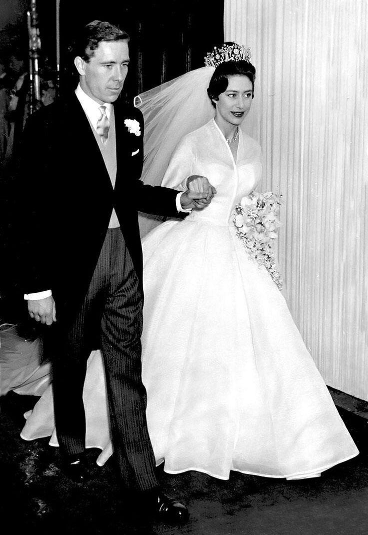 De Poltimore tiara - prinses Margaret op haar trouwdag.