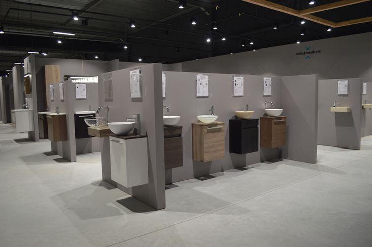 Badkamer inspiratie showroom, tegelshowroom, sanitair, fonteinmeubels