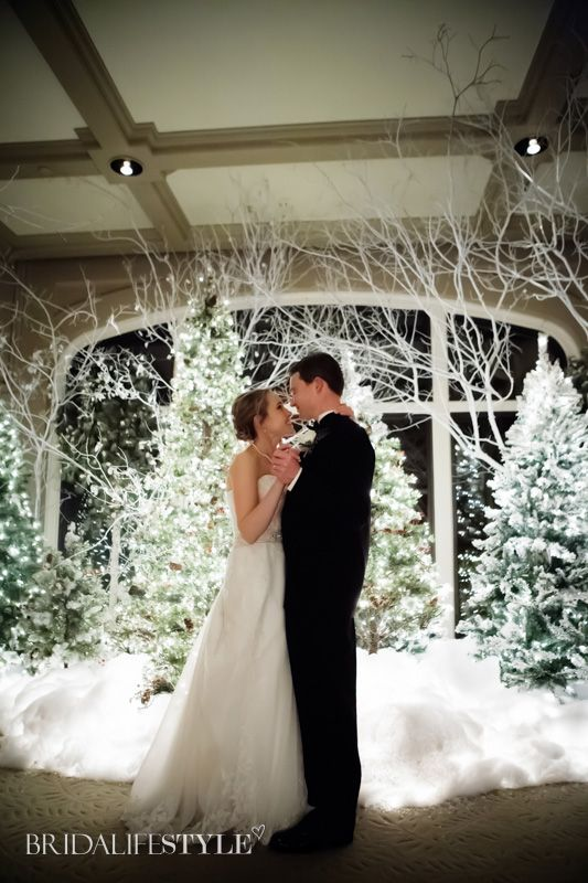 Loving the winter wonderland themed wedding! Real Oklahoma Wedding from Fall/Winter 2013 BridalifeStyle. Photography: www.colorbandphotoartisans.com | Bridal Gown: www.bridalmaison.com